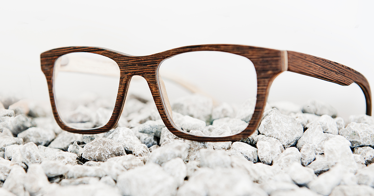 Choosing the best eyeglass frame materials for your style